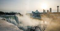 Spojené státy v sevření mrazů. Nad Niagarskými vodopády se objevila ledová duha