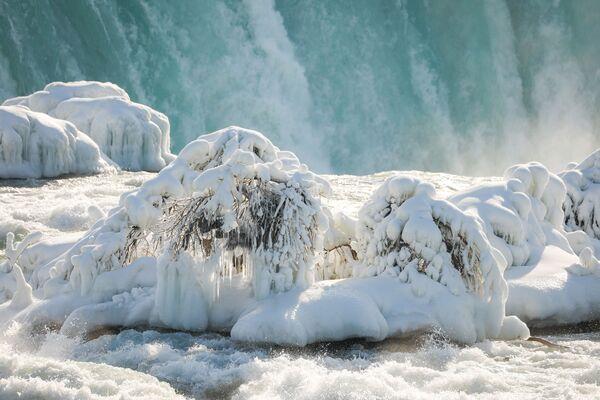 Led vedle vodopádu Podkova ve státě New York - Sputnik Česká republika