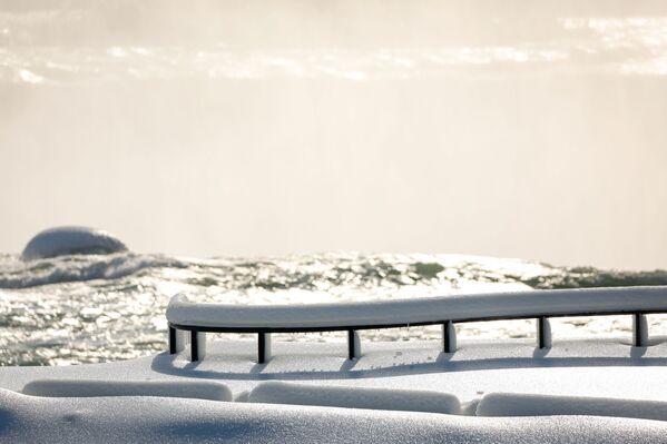 Ledová alej v Niagara Falls, stát New York - Sputnik Česká republika