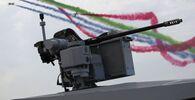 Letečtí akrobaté vzdušných sil Spojených arabských emirátů předvádějí své triky