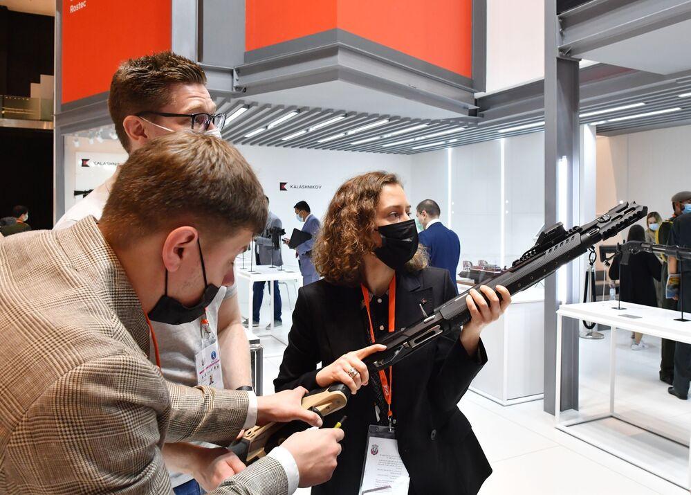 Chytrá zbraň MP-155 Ultima z dílny ruského koncernu Kalašnikov