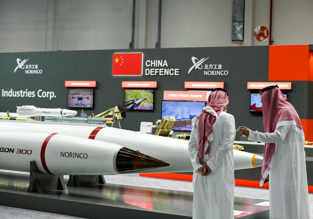 Vojenský veletrh IDEX 2021 v Abú Zabí