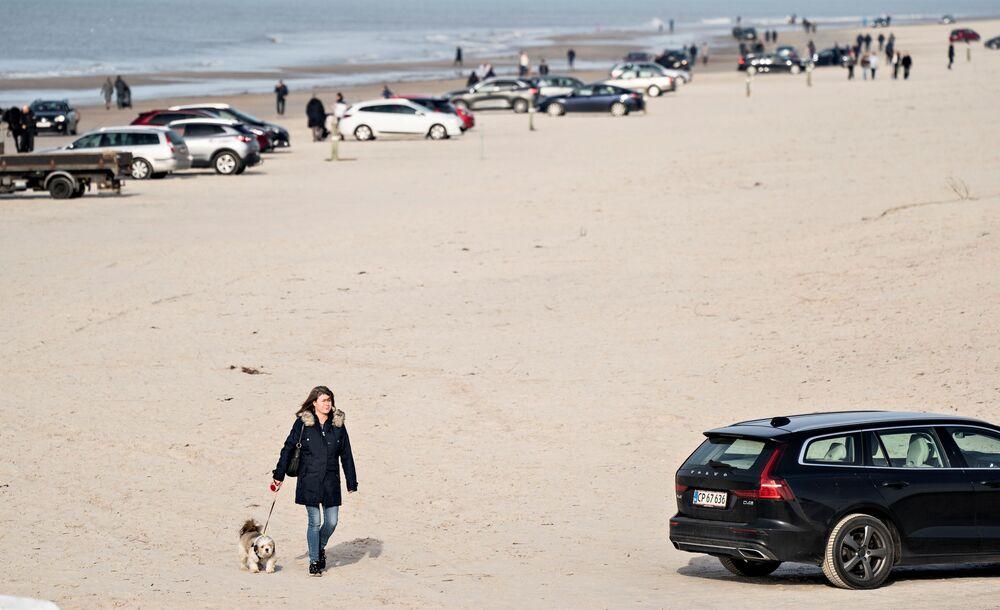 Pláž u vesnice Blokhus na dánském Severojutském ostrově.