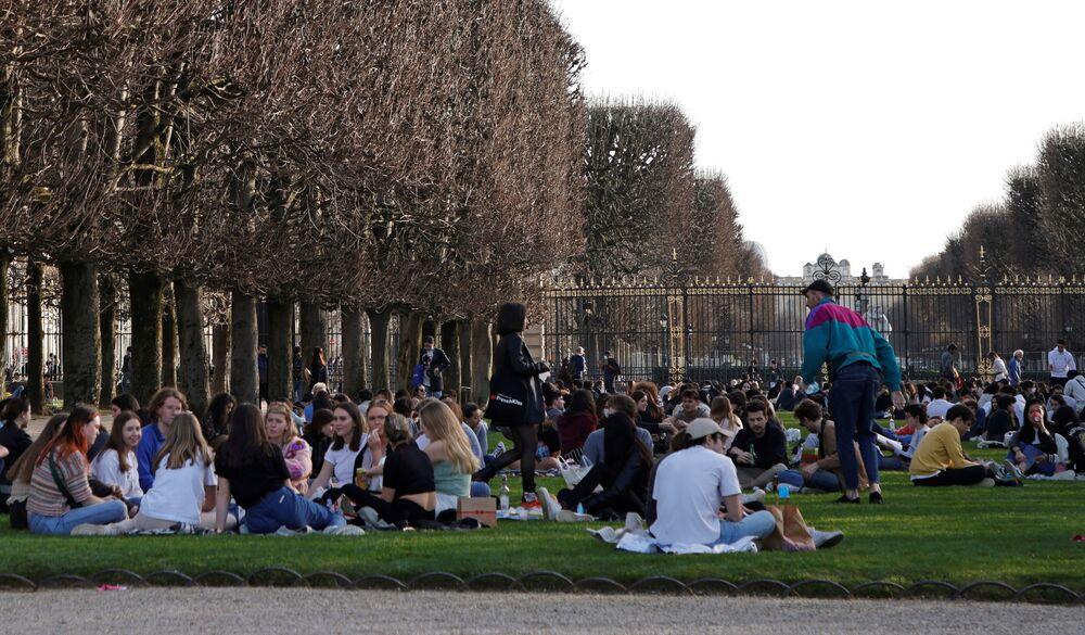 V pařížském parku Jardin du Luxembourg je tento týden hezky.