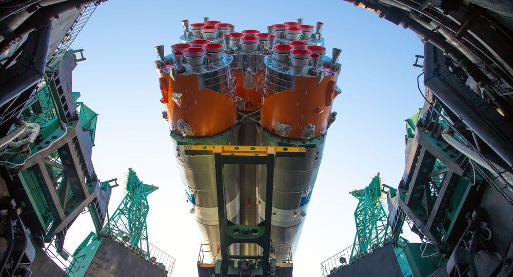 Sojuz-2.1b s první družicí Arktika-M