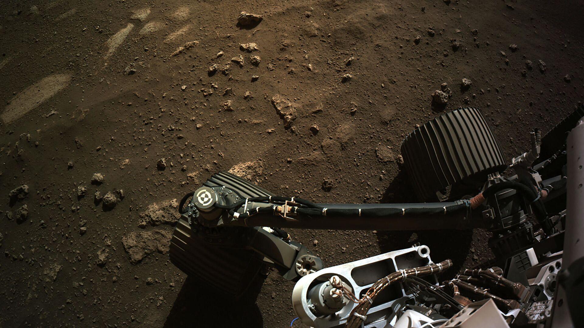 Вид с навигационной камеры на марсоход Perseverance Mars Rover - Sputnik Česká republika, 1920, 25.04.2021