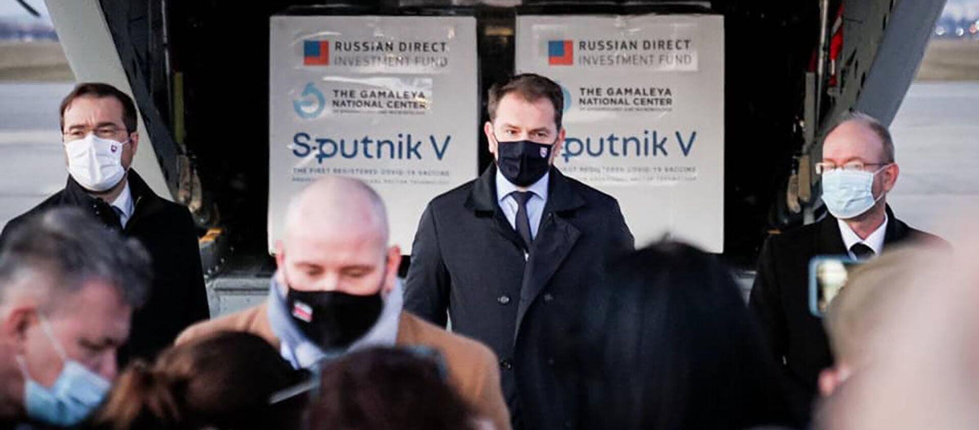 Premiér Matovič během tiskové konference na letišti v Košicích - Sputnik Česká republika, 1920, 01.03.2021