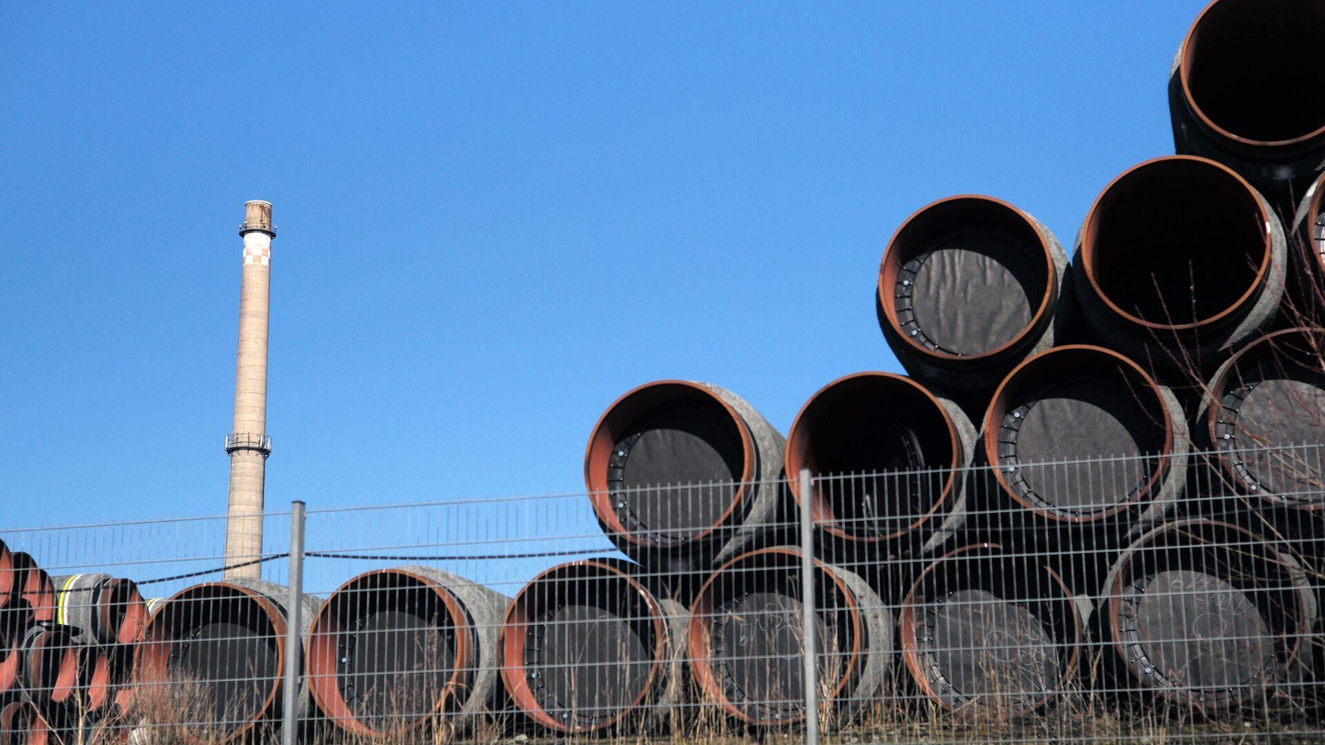 Sklad potrubí na stavbu plynovodu Nord Stream 2 v Německu - Sputnik Česká republika, 1920, 28.04.2021