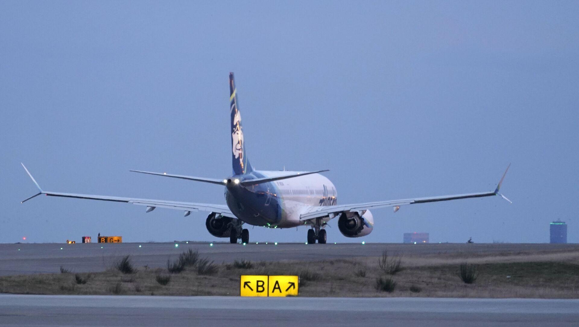První let dopravního letadla společnosti Alaska Airlines na letadlech Boeing 737-9 Max  do San Diega z mezinárodního letiště Seattle-Tacoma v Seattlu - Sputnik Česká republika, 1920, 10.04.2021
