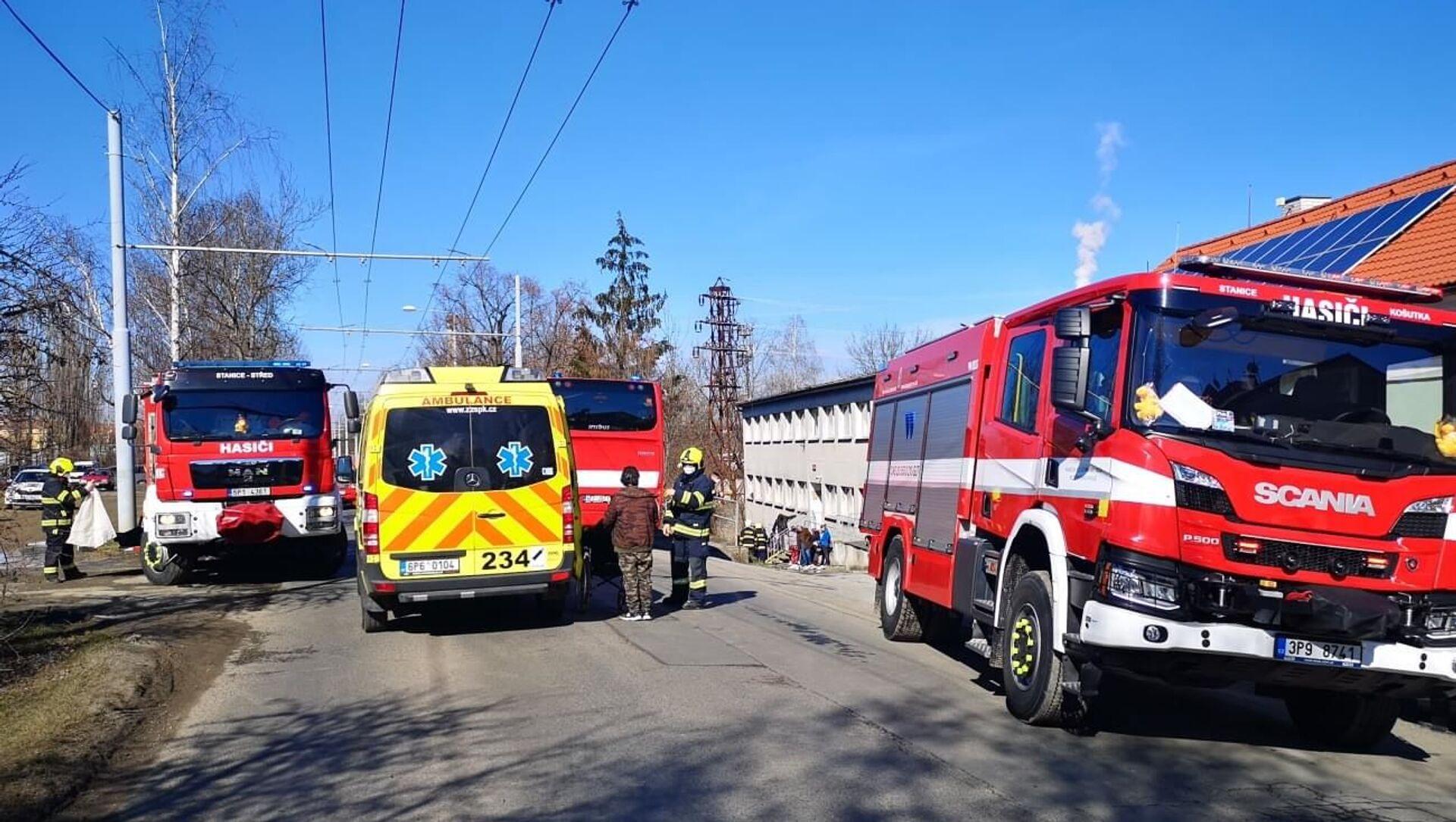 Záchranáři a hasiči v Plzni na místě exploze. - Sputnik Česká republika, 1920, 06.03.2021