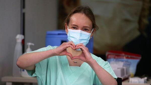 Hrdinky v bílých pláštích: Vyznání lásky lékařkám a zdravotním sestrám u příležitosti MDŽ - Sputnik Česká republika