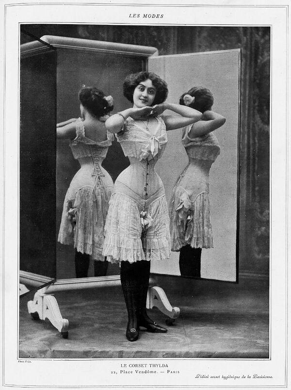 Korzet Thylda, který byl zveřejněn v Les Modes, 1908. - Sputnik Česká republika