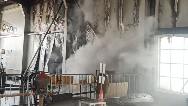 Na místě požaru na letišti Točná v Praze - Sputnik Česká republika