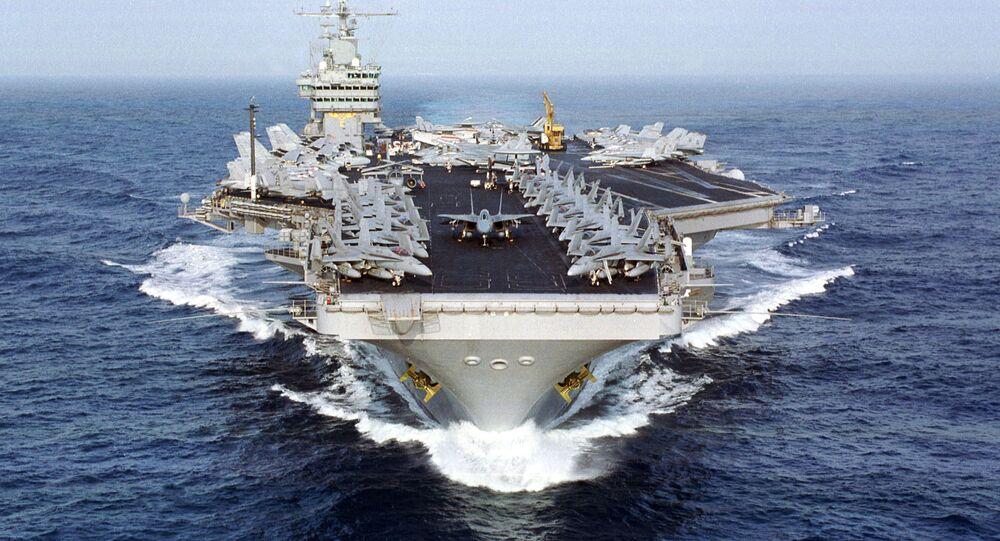Americká letadlová loď Dwight D. Eisenhower