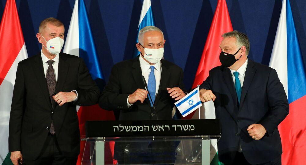 Izraelský premiér Benjamin Netanjahu, maďarský premiér Viktor Orbán a český premiér Andrej Babiš během schůzky v Jeruzalémě