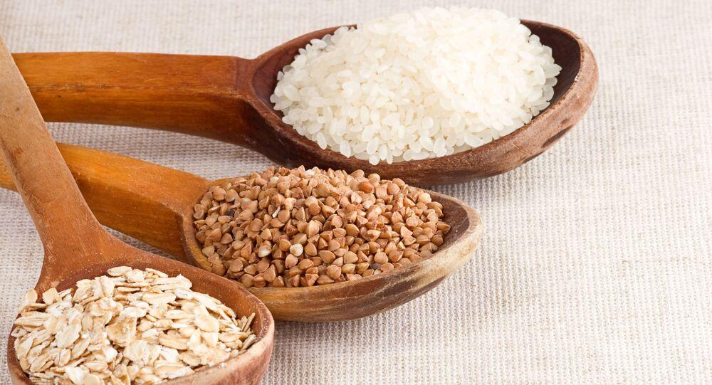 Ovesné vločky, pohanka a rýže