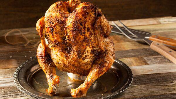 Pečené kuře na plechovce piva - Sputnik Česká republika
