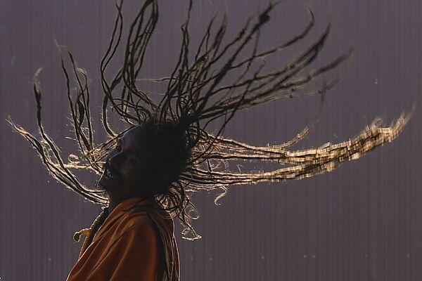 Muž během hinduistického festivalu Maha Shivaratri v Káthmándú, Nepál.  - Sputnik Česká republika