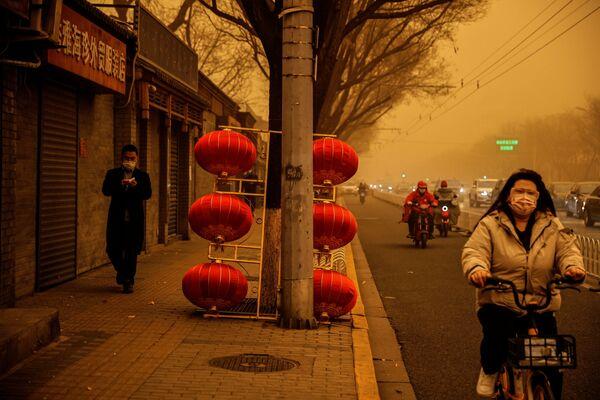 Písečná bouře v Pekingu.  - Sputnik Česká republika