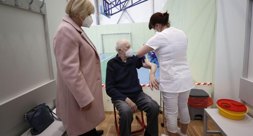 Očkování seniorů v Česku