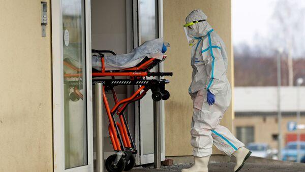 Pacient s koronavirem v české nemocnici - Sputnik Česká republika