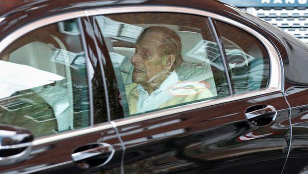 Britský princ Philip opustil londýnskou nemocnici - Sputnik Česká republika