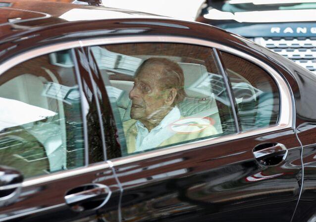 Britský princ Philip opustil londýnskou nemocnici