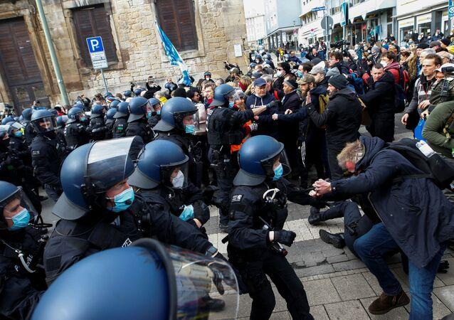 Demonstrace v Kasselu proti opatřením proti covidu-19
