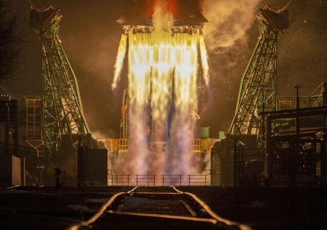 Z Bajkonuru odstartovala raketa Sojuz s 38 družicemi