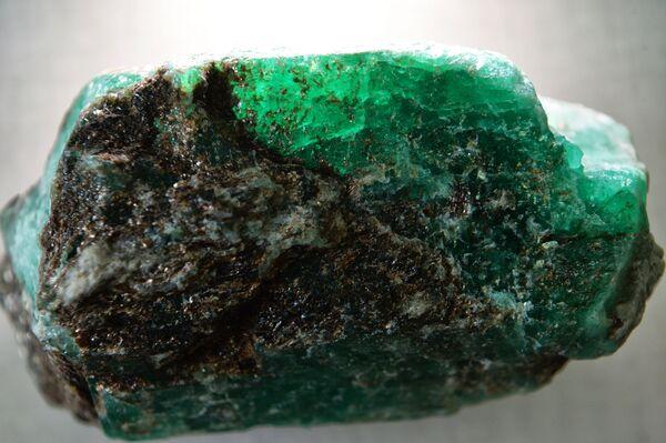 Největší smaragd 21. století nalezený na Urale - Sputnik Česká republika