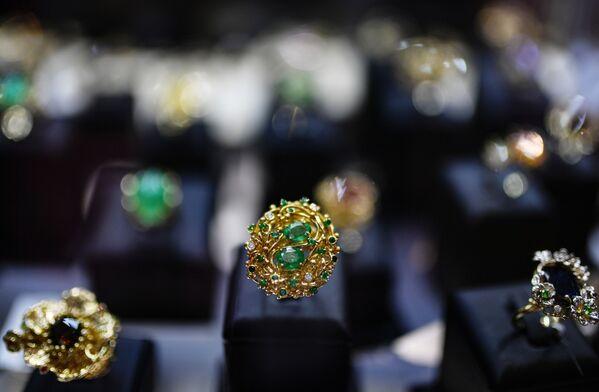 Prsten se smaragdy - Sputnik Česká republika