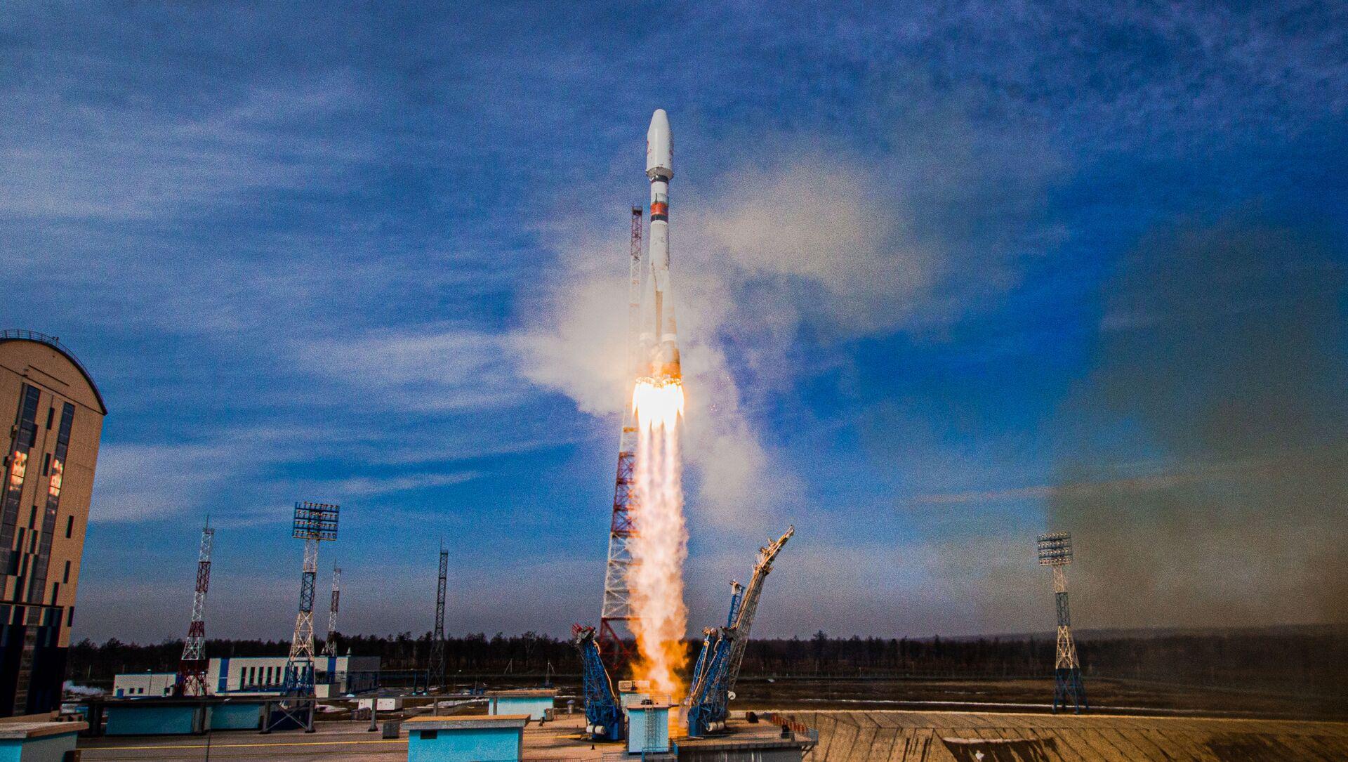 Start Sojuzu 2.16 z kosmodromu Vostočnyj - Sputnik Česká republika, 1920, 25.03.2021