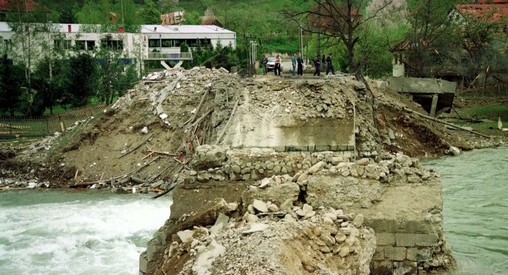 Most přes řeku Lim v Černé Hoře, který byl zničen během bombardování NATO v roce 1999