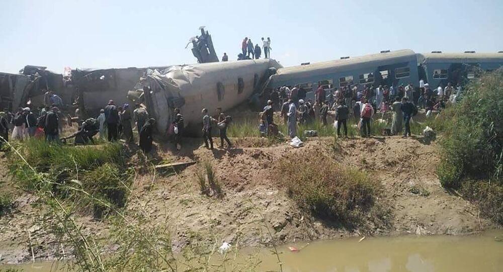 Poblíž egyptského Suhagu se srazily dva vlaky