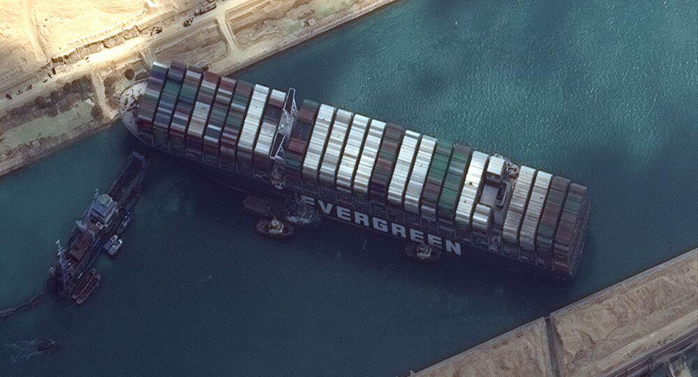 Kontejnerová loď  Ever Given, která zablokovala Suezský průplav