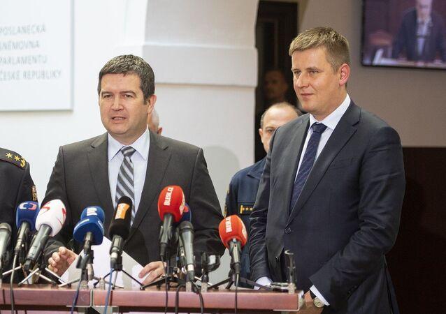 Předseda strany ČSSD a ministr vnítra jan Hamáček a ministr zahraničních věci Tomáš Petříček