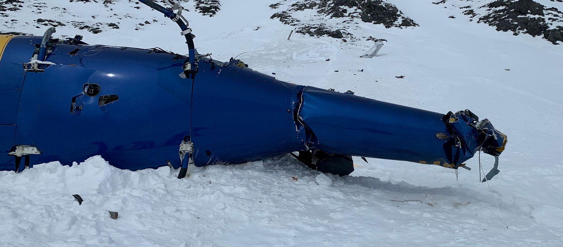 Trosky vrtulníku na Aljašce, v němž zahynul Petr Kellner - Sputnik Česká republika, 1920, 02.04.2021