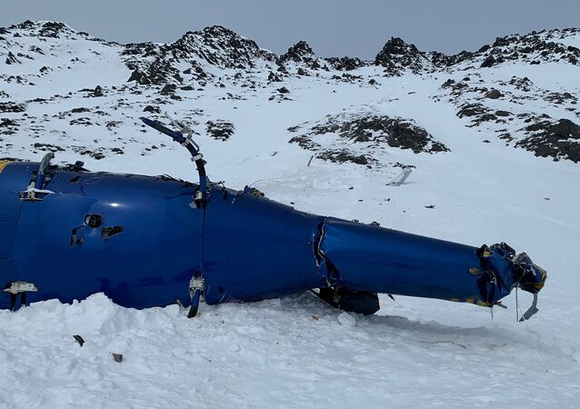 Trosky vrtulníku na Aljašce, v němž zahynul Petr Kellner