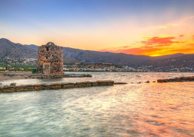 Staré trosky mlýna antického dorianského města Olus v zálivu Mirabello na Krétě