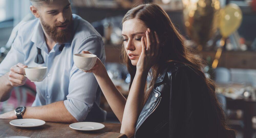 Muž a žena v kavárně. Illustrační foto