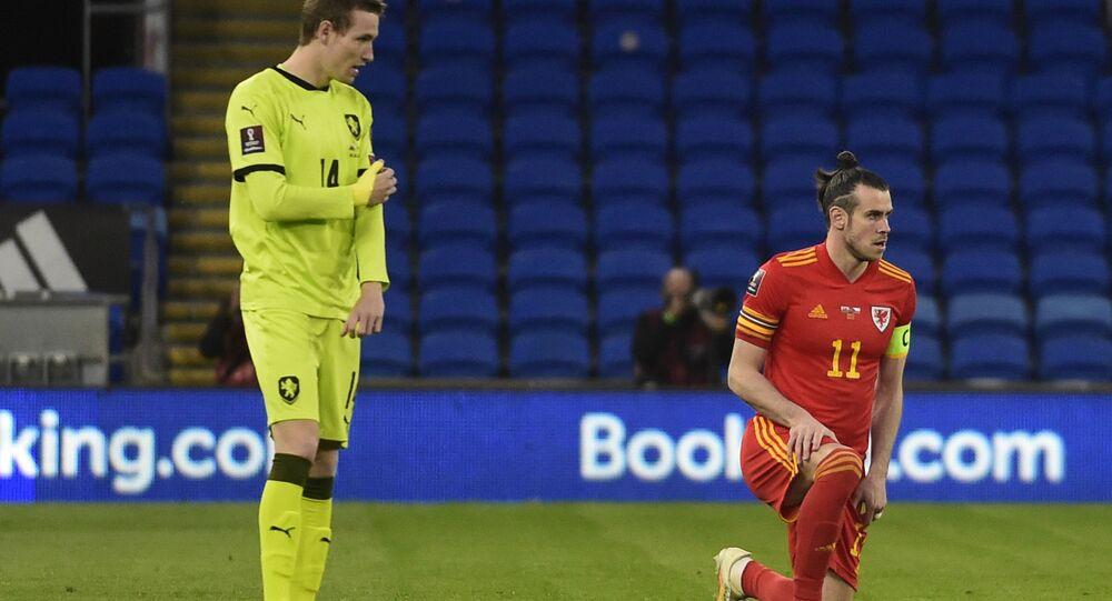Jakub Jankto před začátkem zápasu proti Walesu