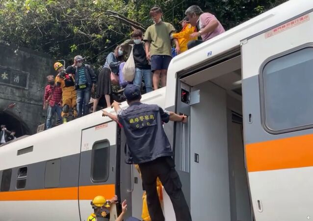 Tragická nehoda rychlostního vlaku na Tchaj-wanu