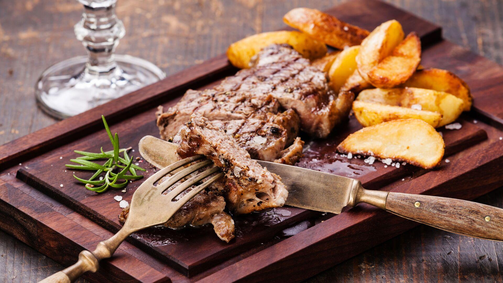 Steak s bramborem - Sputnik Česká republika, 1920, 03.06.2021