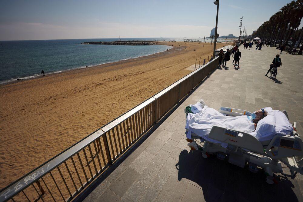 Mořská terapie pro hluchoněmou ženu v Barceloně