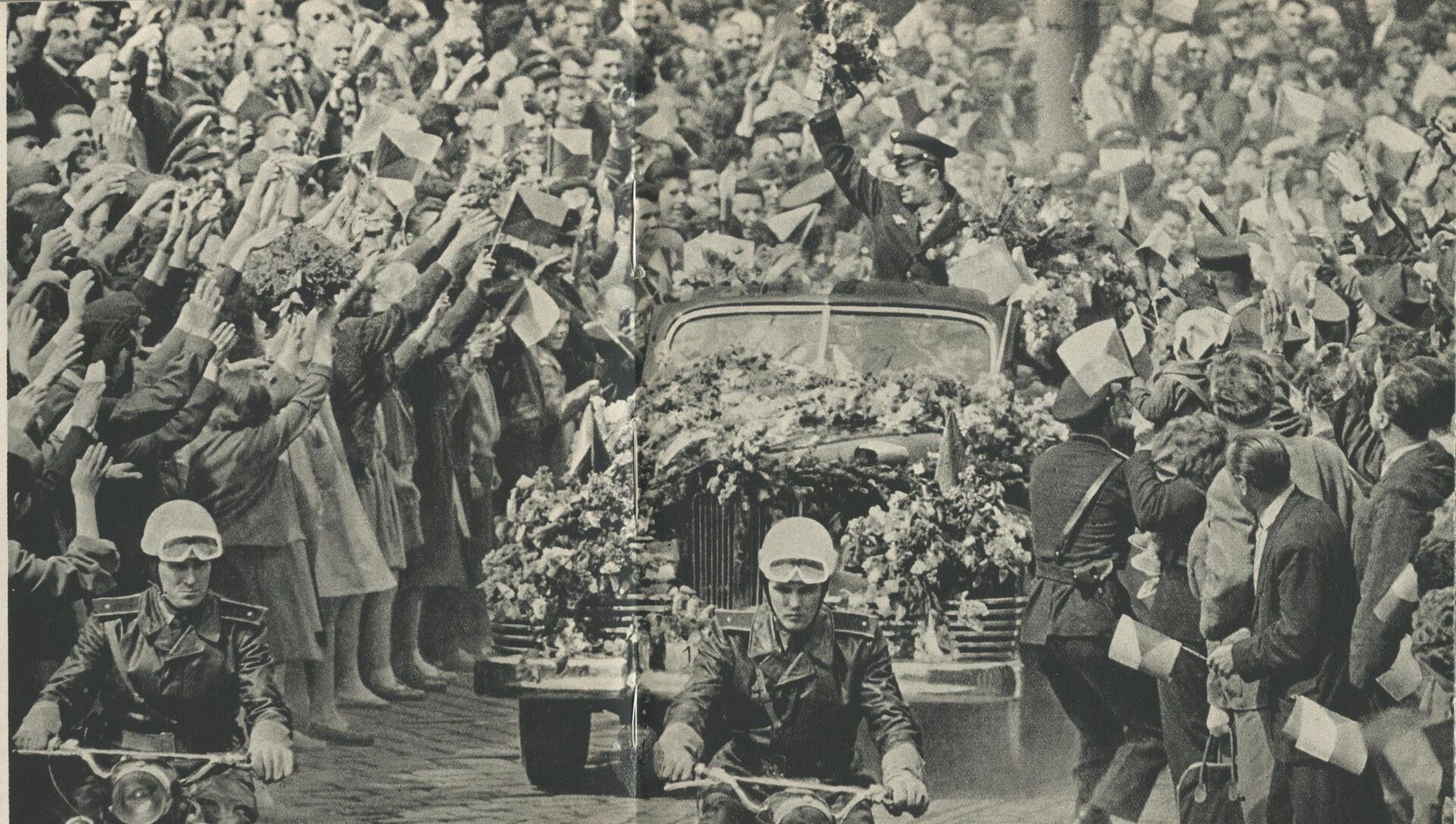 Pražané vítají Jurije Gagarina  - Sputnik Česká republika, 1920, 12.04.2021