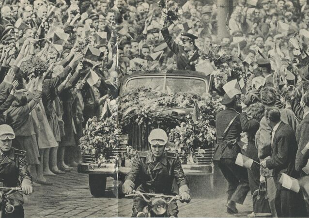 Pražané vítají Jurije Gagarina