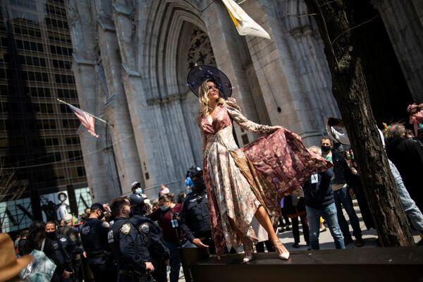 Podívaná uprostřed koronakrize: Záběry tradičního Velikonočního průvodu v New Yorku. - Sputnik Česká republika