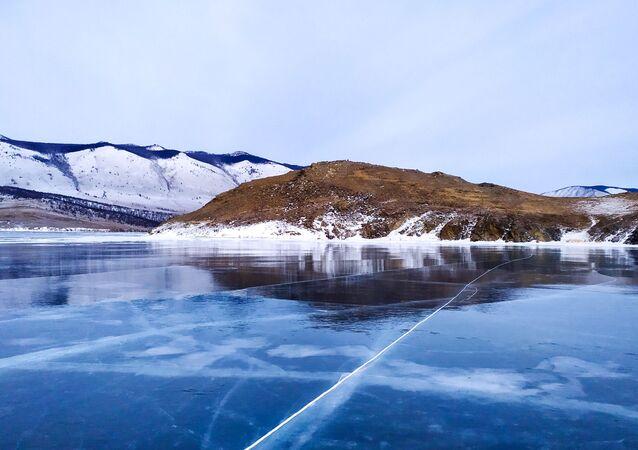 Led na jezeru Bajkal