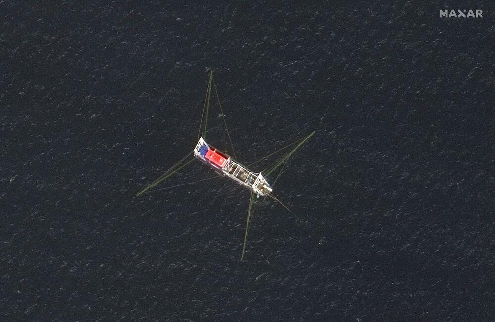Rostoucí napětí v Jihočínském moři. Filipíny požadují odsun lodí s čínskými námořními milicemi