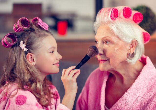 Vnučka a babička